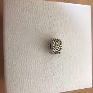 Pandora charm/clip